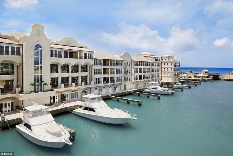 Port Ferdinand Marina Apartment